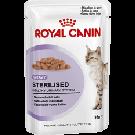 Royal Canin Sterilised en sauce Chat âgé de 1 à 7 ans Sachet 12 x 85 grs